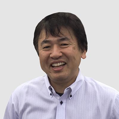 Тим Схииги је СВП, Глобал Оператионс и одговоран је за глобалне оперативне и производне аспекте пословања. Придружио се компанији Фурукава Елецтриц 1986. године и прихватио је ову нову функцију у октобру 2020. године најавом Глобал Јоинт Вентуре. Пре своје тренутне улоге био је одељењски директор компаније Фурукава Елецтриц Цо., Лтд (Јапан) и председник компаније Фурукава Магнет Вире Цо., Лтд. Схииги је био одговоран за глобално пословање предузећа Магнет Вире и радио је на успостављању овог тренутног подухвата . Пре тога, био је директор погона, потпредседник ФЕМЦО-а у Франклин Индиана УСА (бивша ЈВ компанија са СПСКС-ом) од 2006. године, као и инжењерски и технички директор ФЕММ-а у Малезији од 1998. године. Стекао је звање машинског инжењера са Универзитета Киусху, Јапан.